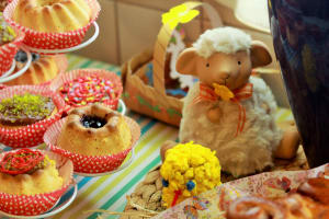 lamb and easter cakes